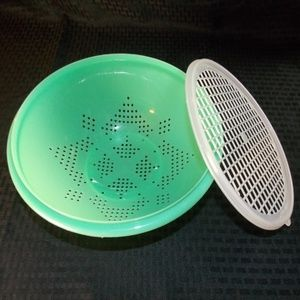 Vintage Bright Jadite Green Tupperware Colander wi